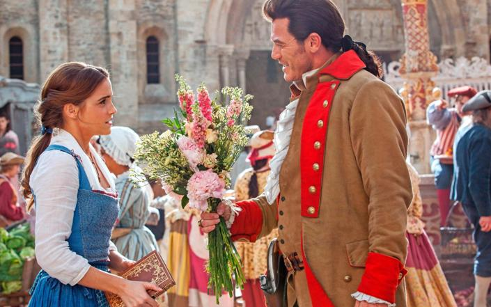 emma_and_luke_as_belle_and_gaston-wide.jpg
